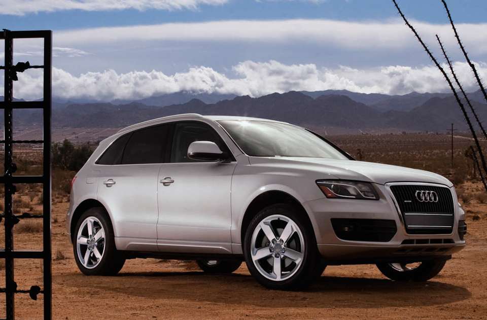2012 audi q5 review best car site for women vroomgirls. Black Bedroom Furniture Sets. Home Design Ideas