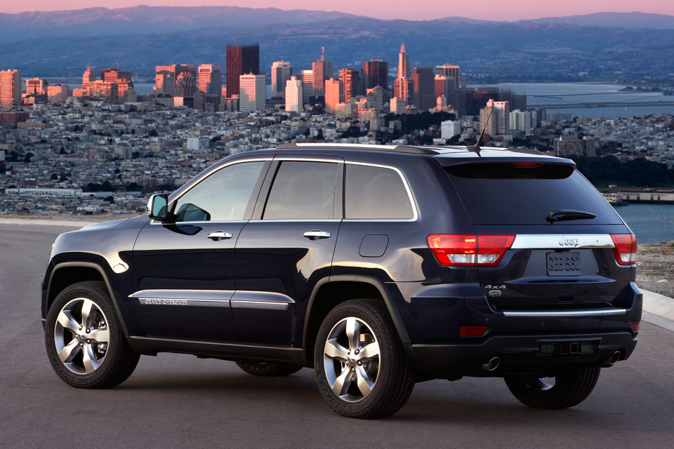 2012 jeep grand cherokee review vroomgirls. Black Bedroom Furniture Sets. Home Design Ideas