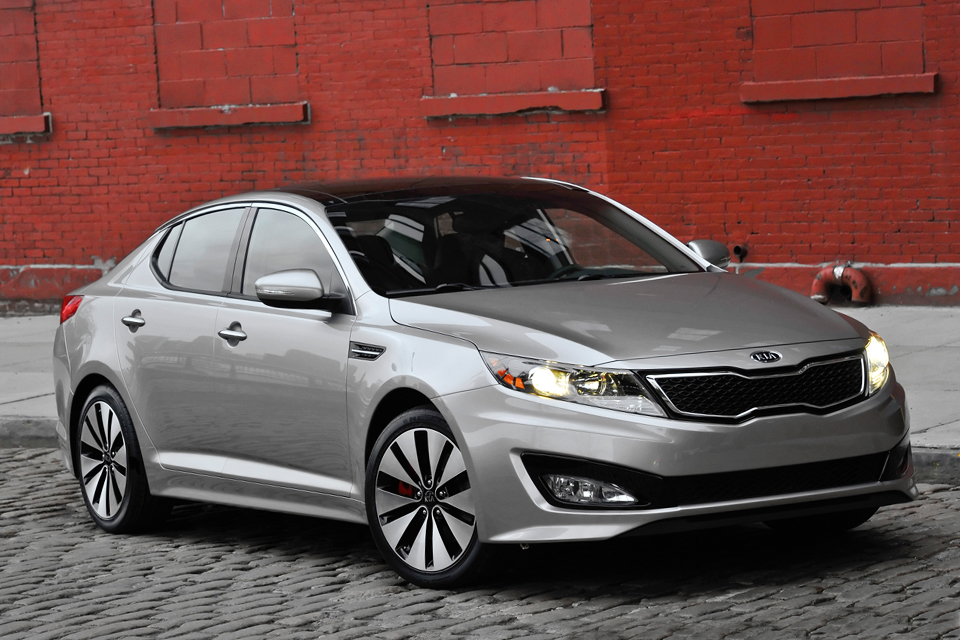 2012 kia optima review best car site for women vroomgirls. Black Bedroom Furniture Sets. Home Design Ideas