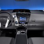 ToyotaPriusV 3