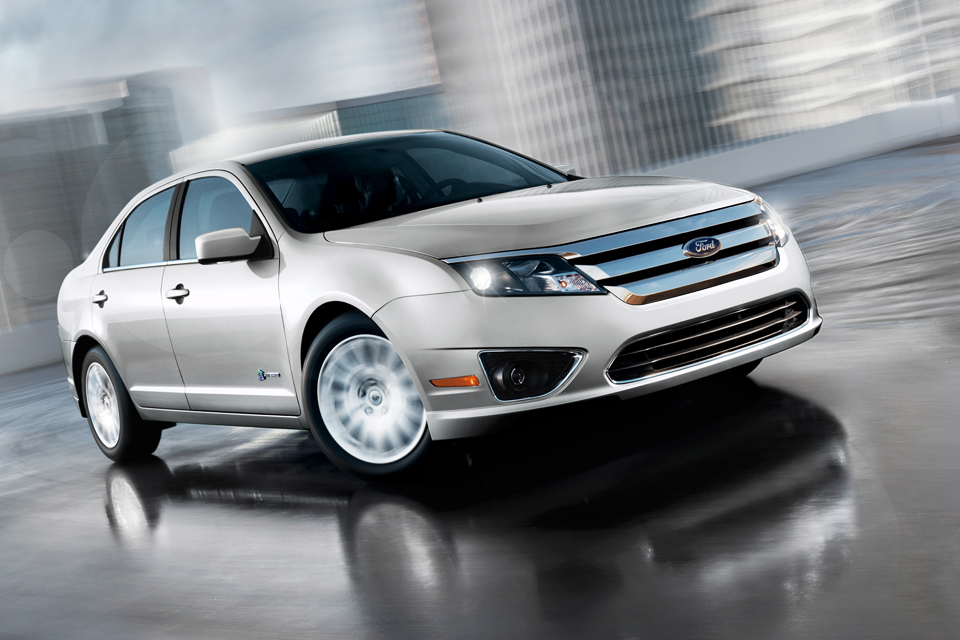 2013 ford fusion hybrid review vroomgirls best car site for women. Black Bedroom Furniture Sets. Home Design Ideas