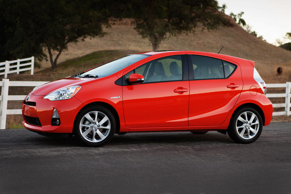 2014 Toyota Prius C Review | Best Car Site for Women