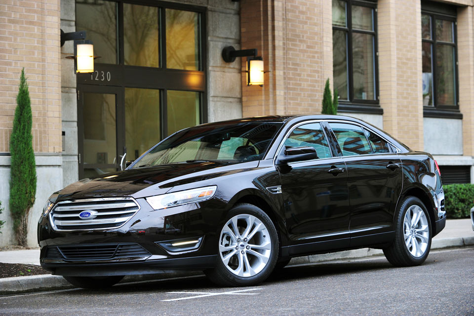 2013 ford taurus review | best car site for women | vroomgirls