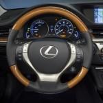 2013_Lexus_ES_300h Steering Wheel