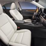 2013_Lexus_ES_300h_interior