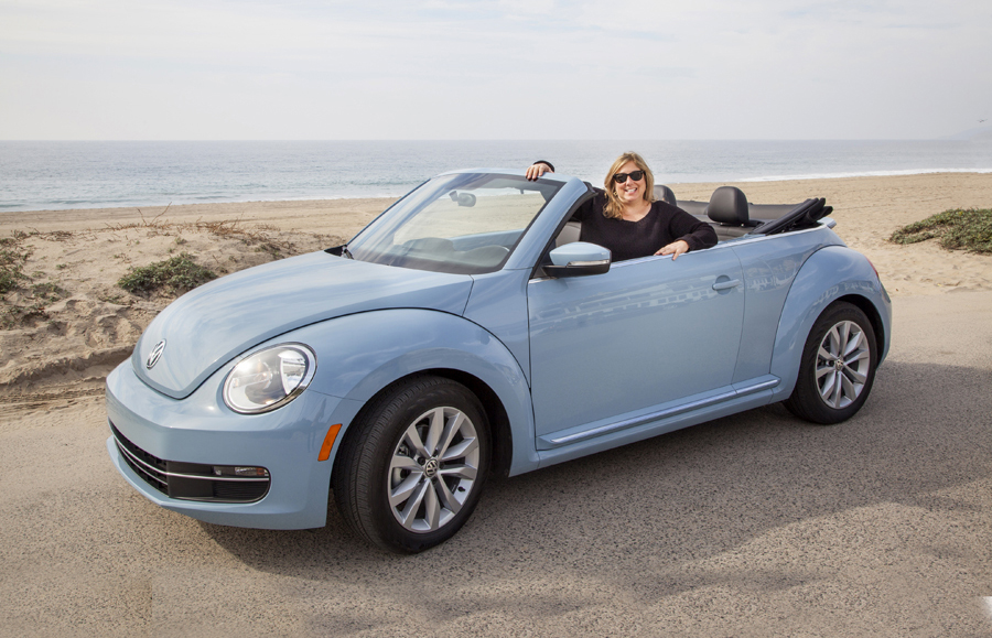 2013 volkswagen beetle convertible review vroomgirls. Black Bedroom Furniture Sets. Home Design Ideas