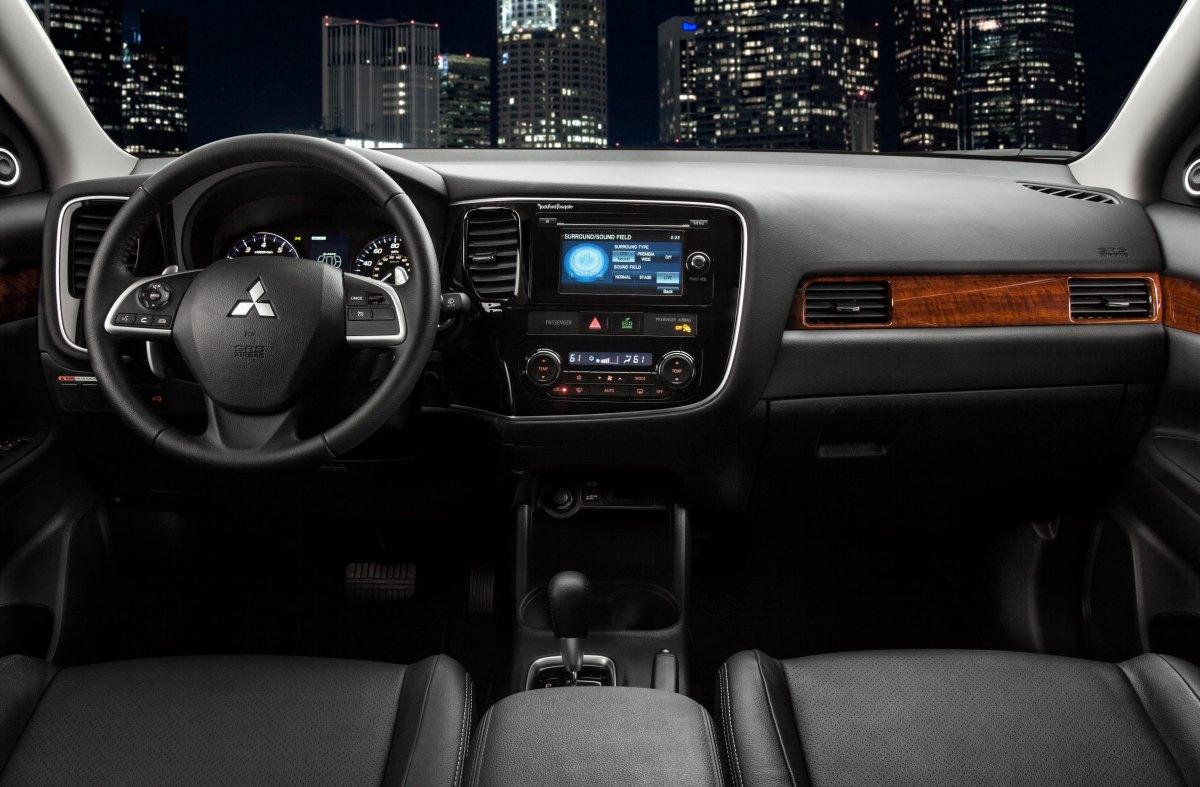 2014 Mitsubishi Outlander · 2014 Mitsubishi Outlander ...