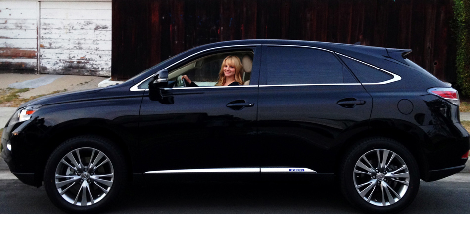 Melissa Rauch's Lexus 450h Hybrid