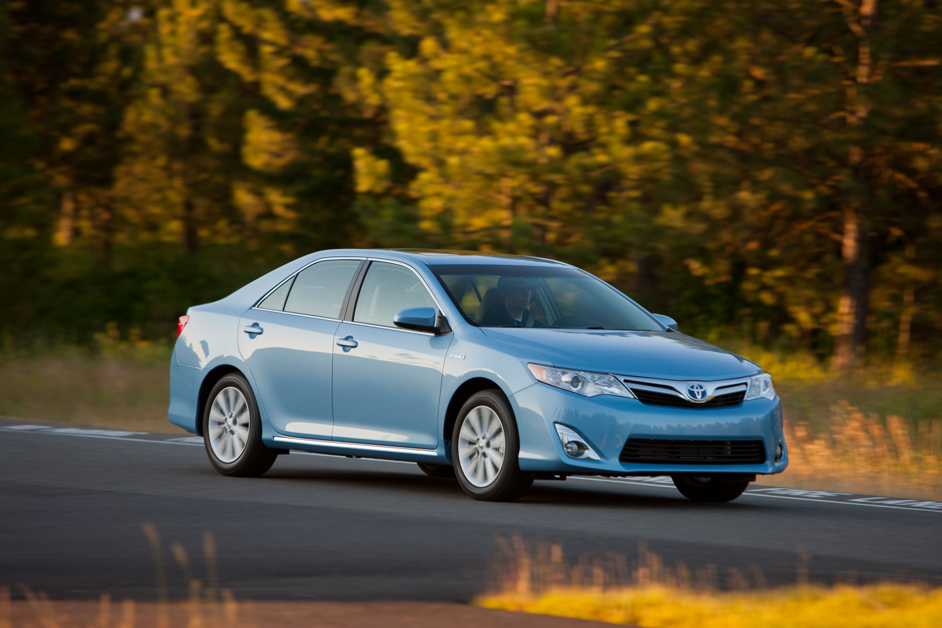 2014 toyota camry review best car site for women vroomgirls. Black Bedroom Furniture Sets. Home Design Ideas