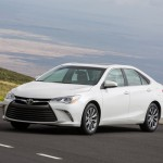 2015_Toyota_Camry_XLE_15