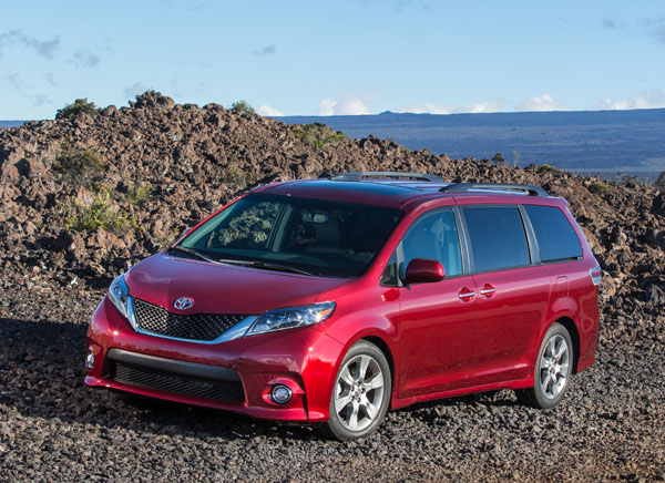 2015 toyota sienna review best car site for women vroomgirls. Black Bedroom Furniture Sets. Home Design Ideas