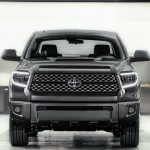 2018_Toyota_Tundra_TRD_Sport_front
