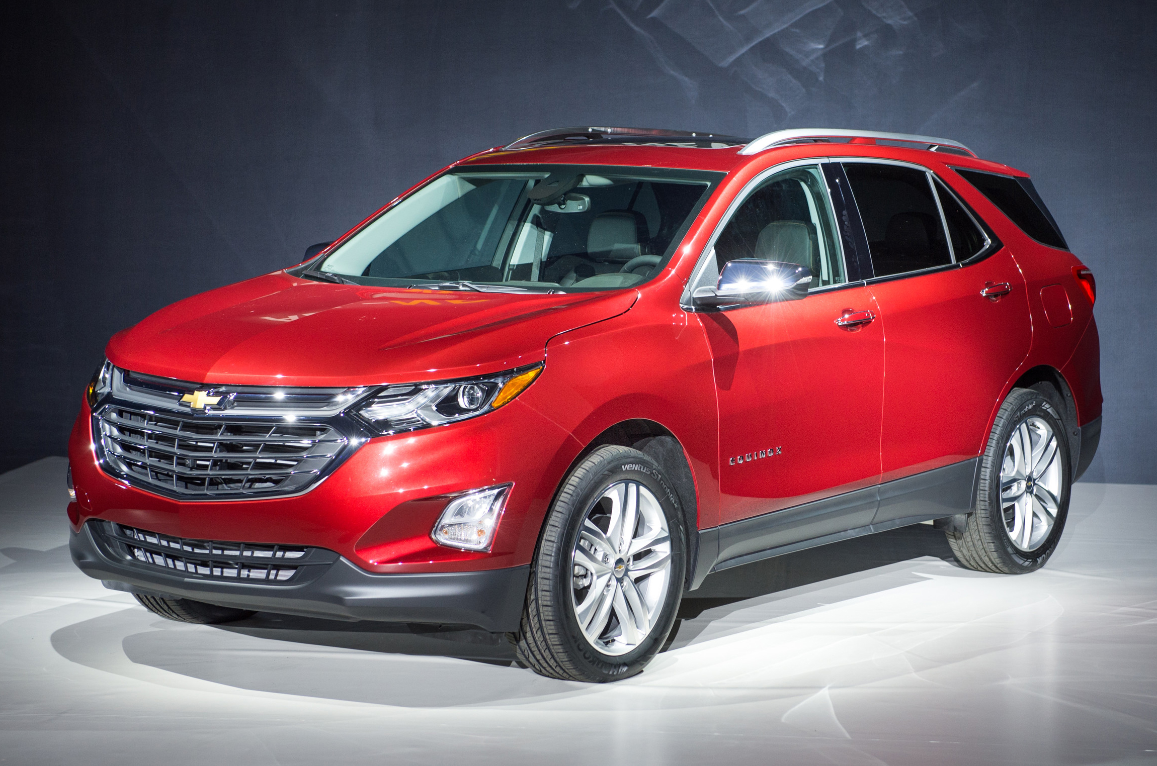 2018 chevrolet equinox review best car site for women vroomgirls. Black Bedroom Furniture Sets. Home Design Ideas